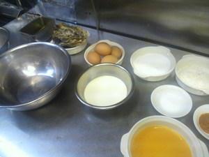 先日、ステーキ・洋食のTANTO屋でテレビの取材(地元食材の料理)がありました。