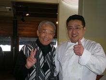 陣内智則さんのお父さんです。